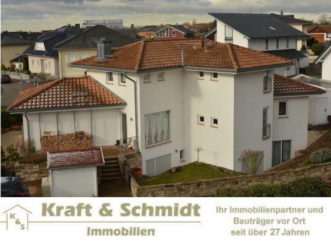 **Architektonisch anspruchsvolle Immobilie in Langenselbold**