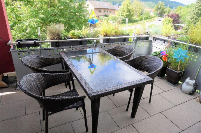 Ihr neues Zuhause in Leonberg- großzügige 4- Zimmerwohnung in guter Ausstattung!