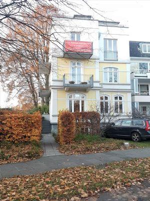 Alsterdorf:Geräumige  Maisonette-Whg. ( 145 m²) mit großer  Dachterrasse und zwei Balkonen