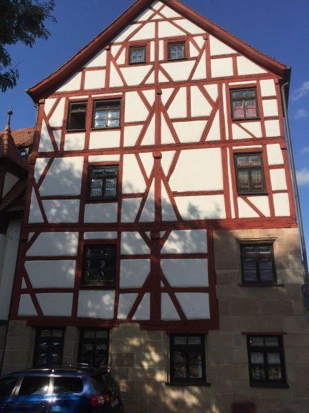 Denkmalgeschützes Wohn- und Geschäftshaus Handwerkerhaus