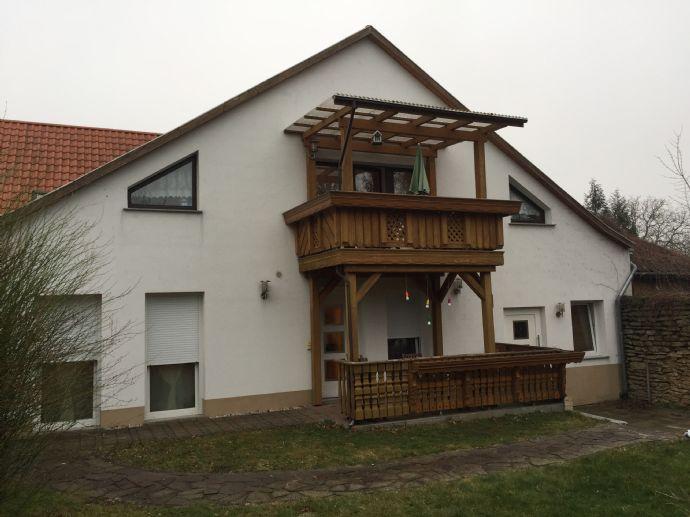 2 Raum Wohnung im EG mit Terrasse und Garten, Fußbodenheizung, Dusche und Wanne, 2 Stellplätzen in Großobringen, ca. 5km von Weimar entfernt