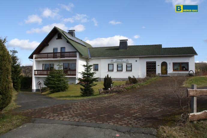 Ehemalige Pension mit vielen Möglichkeiten und großem Grundstück in Bad Berleburg-Ortsteil