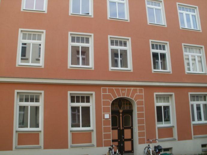 Ruhig gelegene 2-Raumwohnung mit Balkon zu vermieten