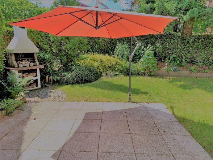 Ruhige Wohnung mit sonniger Terrasse & eigenem Garten