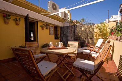 Villa in Sevilla mit Terrasse, Klimaanlage, Aufzug, Waschmaschine