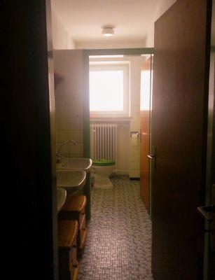 WC f. Frauen in 2 Stock