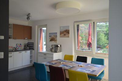 14   Küche mit Essplatz für 6 Personen