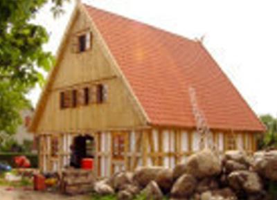 fachwerkhaus mit massivem eichenholz deutsche landhaus klassiker einfamilienhaus 2ejdg3k. Black Bedroom Furniture Sets. Home Design Ideas