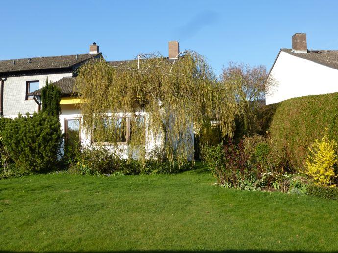 Komplett renoviertes Haus mit Garten in Bestlage von Neu-Anspach