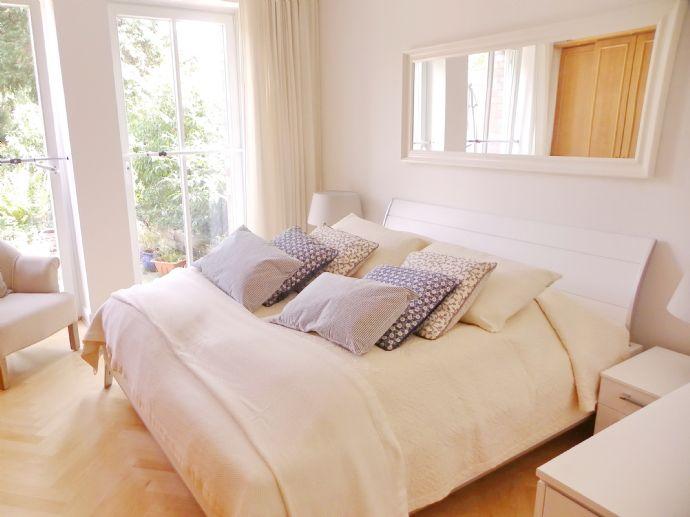 Luxus Wohnung /4 Zimmer Wohnung /Terrasse / möbliert/ 2 Schlafzimmer / ab sofort frei