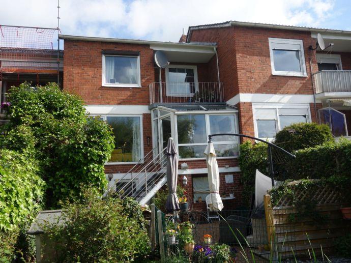 Schönes Reihenhaus mit Balkon und Terrasse!