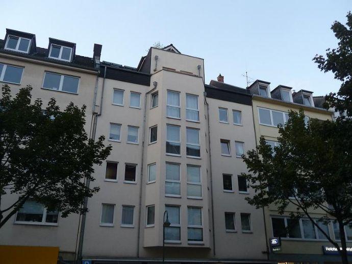 2 Raum Wohnung mit Balkon, EBK und TG- Stellplatz in Flingern- Nord