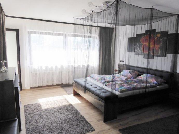 Einfamilienhaus mit viel Platz in zentraler Lage von Marklkofen zu verkaufen