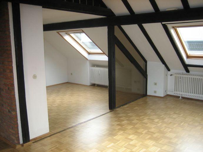 Sonnige Studiowohnung im Dachgeschoß