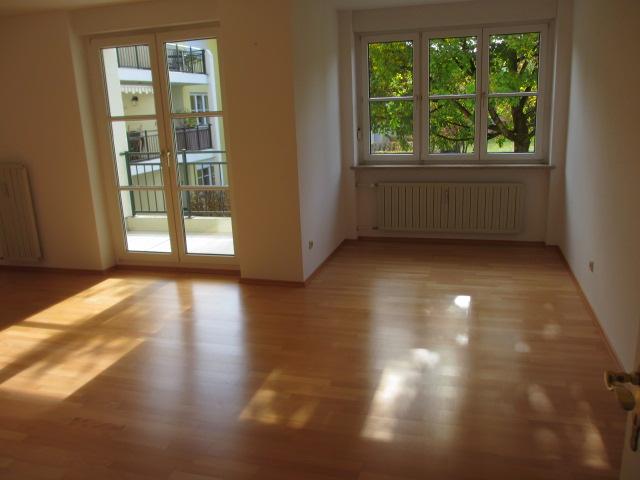 Schöne, helle, gutgeschnittene, ruhige Wohnanlage , provisionsfreie 2-Zimmer-Wohnung