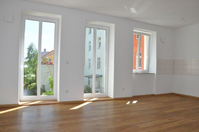 helle 2-Zimmer mit Balkon, Fußbodenheizung - Zweitbezug nach Sanierung