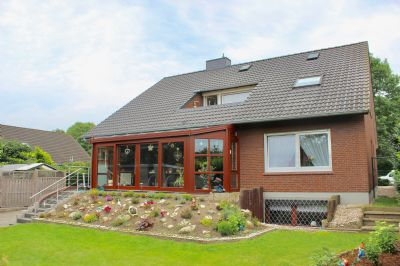 Gepflegtes saniertes gro es familienhaus i for Ferienwohnung delmenhorst