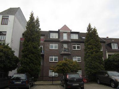 sch ne dachgescho wohnung mit gro em balkon und ebk wohnung bremerhaven 229yx4b. Black Bedroom Furniture Sets. Home Design Ideas