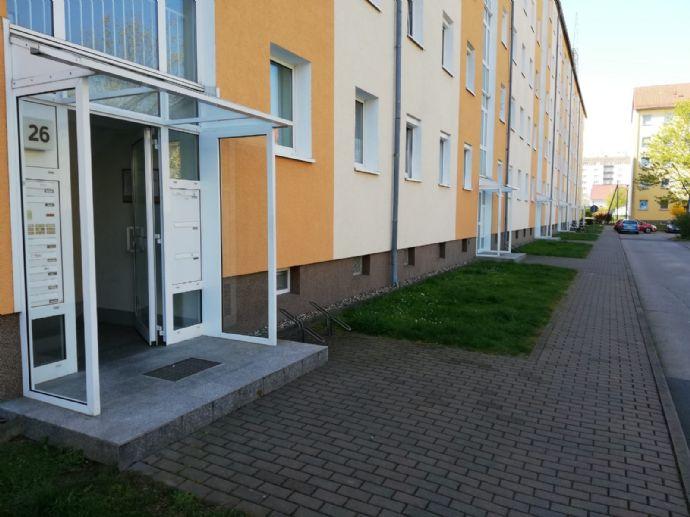 Neu renovierte helle 2 Zimmer Wohnung mit großem Balkon in Riesa - Weida