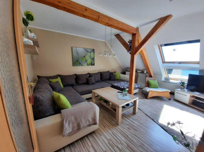 Gemütliche 56 m² 2- Zimmer- Dachgeschosswohnung  mit Balkon in Staßfurt
