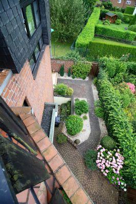 Blick in den Vorgarten der Einliegerwohnung