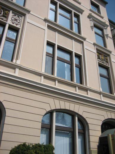 Schöne Wohnung in Jugendstilgebäude mit Fahrstuhl
