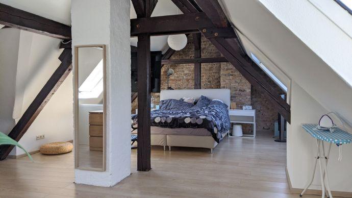 Wunderschöne, geräumige 3-Zimmer-Maisonette-Wohnung im Dachgeschoss