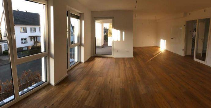 ERSTBEZUG - Exklusive 3 Zimmerwohnung mit Kochnische, Bad, Balkon, Keller und Stellplatz