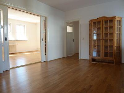 bremen schwachhausen altbau sonnige 5 zimmer wohnung im dachgeschoss etagenwohnung bremen. Black Bedroom Furniture Sets. Home Design Ideas