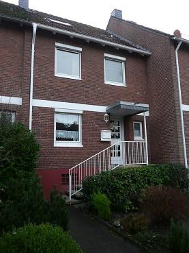ruhiges und schönes Reihenmittelhaus mit Garage in Bremen-Schönbeck