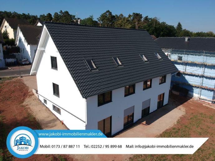 Schlüsselfertige Übergabe (inkl. Außenanlage) in 2019! Großzügige Neubau - Doppelhaushälfte in Mechernich