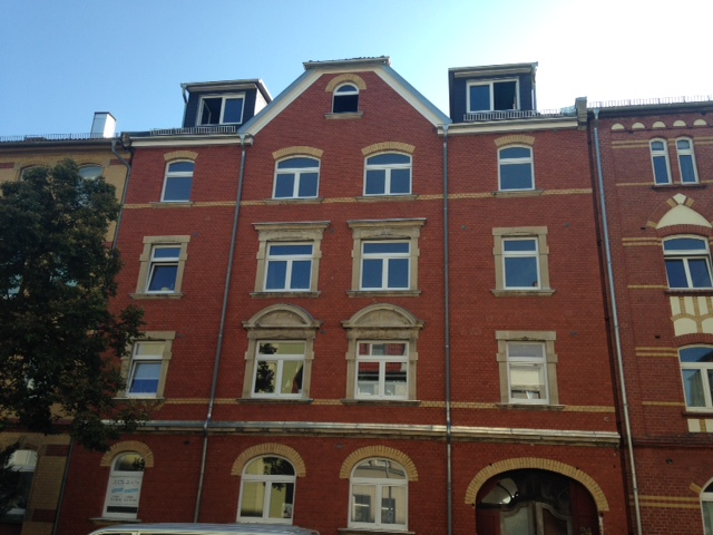 Neu sanierte und moderne DG-Wohnung