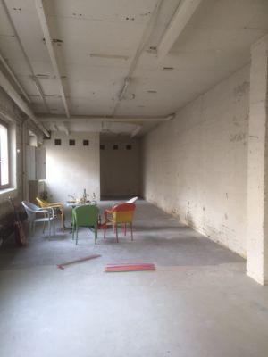 werkstatt oder lager in verkehrsg nstiger lage halle hamburg 2c2n249. Black Bedroom Furniture Sets. Home Design Ideas
