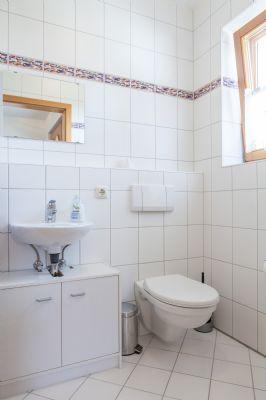 WC mit Fenster im EG
