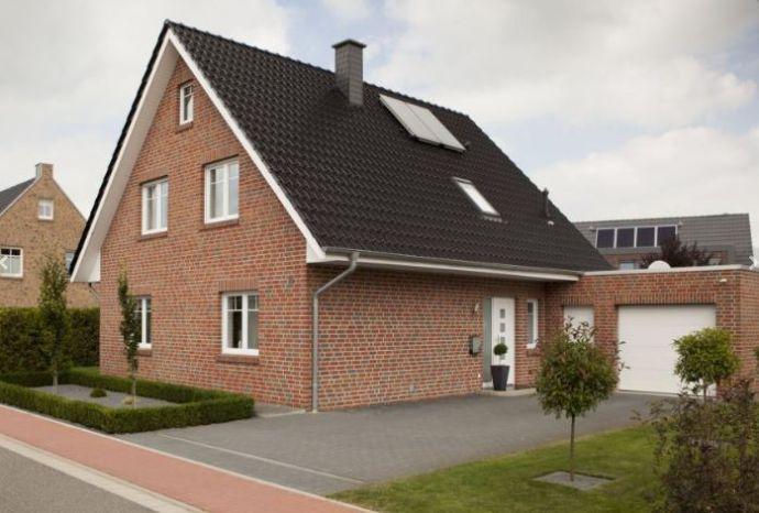 Einfamilienhaus Mit Garage Ca 134 M2 Wfl 555 M2 Grundstück