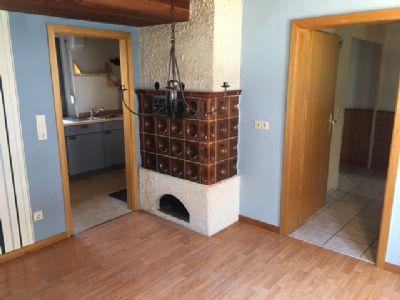 g nstiger als mieten einfamilienhaus mit hof reihenmittelhaus holzappel 2ezwa4z. Black Bedroom Furniture Sets. Home Design Ideas