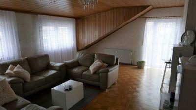 3-Zimmer-DG-Wohnung mit Balkon in Rodgau  Jügesheim