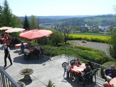 Terrasse mit Blick zum See