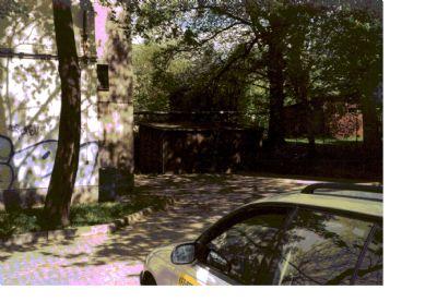 Bild 5 - Ansicht vom Parkpaltz, Blick auf Garagen