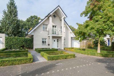 holland immocenter sch nes freistehendes einfamilienhaus mit garage und keller in. Black Bedroom Furniture Sets. Home Design Ideas