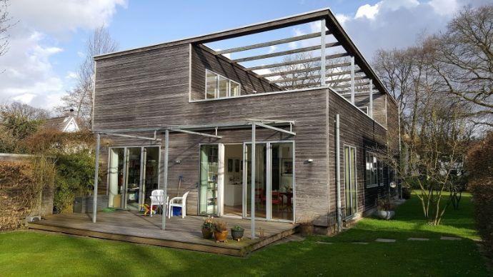 Traumhafte 3-Zimmerwohnung mit Dachterrasse in Nienstedten