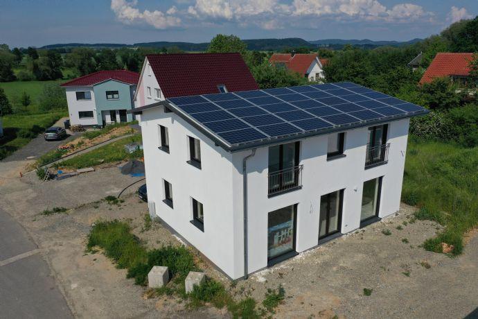 Sonnenhaus 10 min. bis Göttingen, Heizen & Kühlen für 100 € im Jahr, 730 kW/h Wärmespeicher, Energie-Plus-Haus