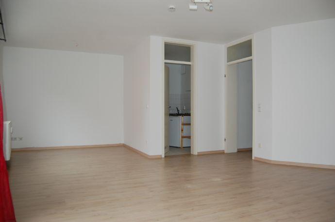 sanierte 1-Raum Wohnung im Zentrum mit Blick zur Neustadt