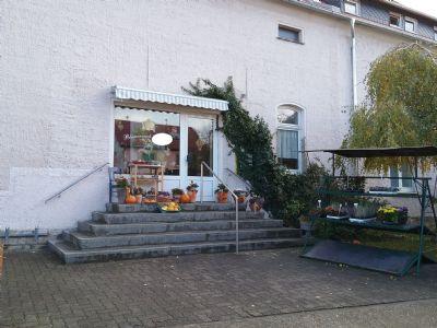 Groß Rosenburg Ladenlokale, Ladenflächen