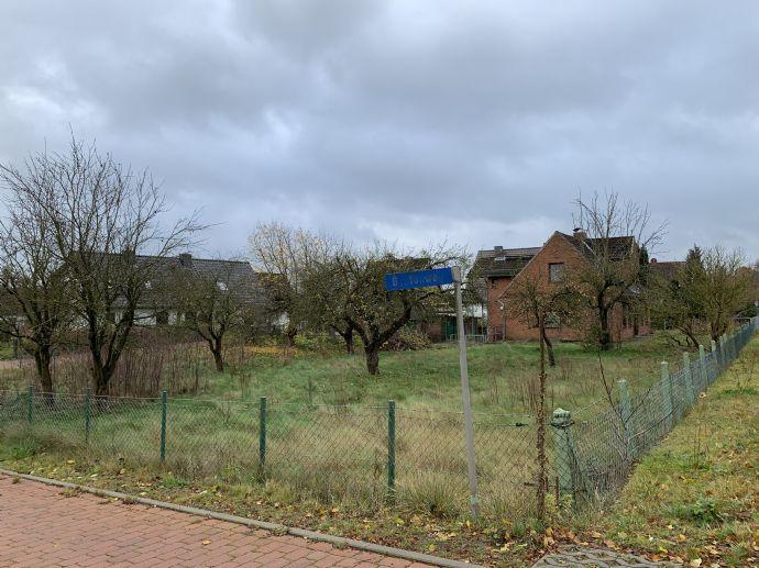 Großzügiges Grundstück im Ortskern von Pogeez