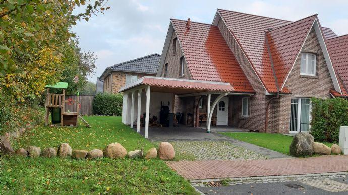 Doppelhaushälfte in ruhiger Sackgassenendlage in Sandesneben!