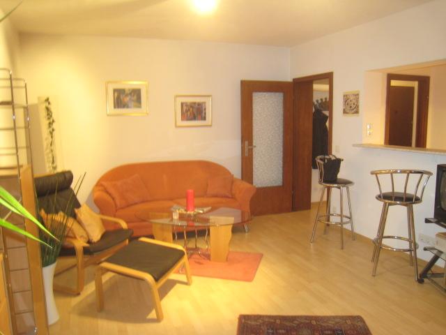Eschborn, möblierte 2 Zimmer Wohnung mit Balkon Lüb5.12