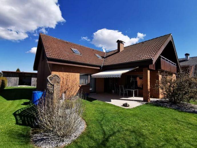 sehr schönes, großes Einfamilienhaus in herrlicher Lage