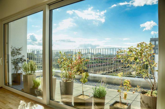 Neubau Penthouse mit Skyline-Blick und E-PKW Stellplatz im begehrten Frankfurter Gallus