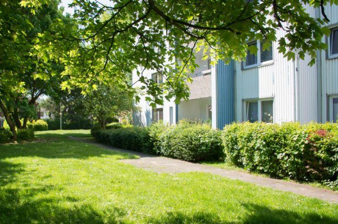 Sonnige Aussichten - sanierte 3-Zimmerwohnung mit Balkon - Turmhäuser Grevenbroich!